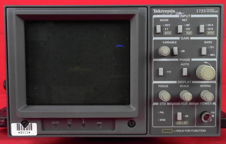 TEKTRONIX 1725 VECTORSCOPE, NTSC/PAL