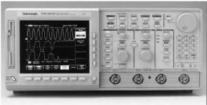 TEKTRONIX TDS680B OSCILLOSCOPE, DIGITIZING